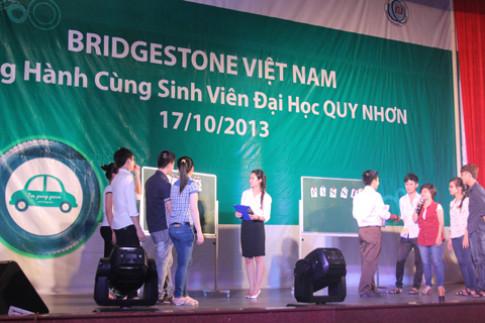 Bridgestone Viet Nam ho tro sinh vien mien Trung