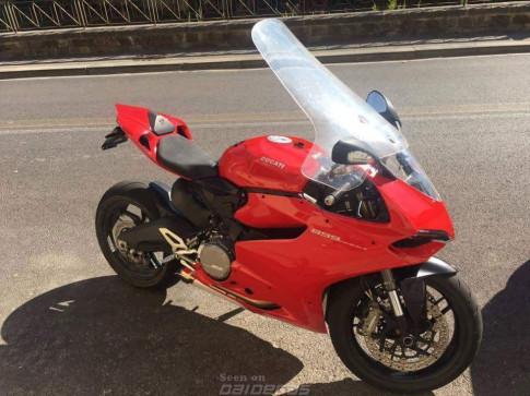 Cạn lời với dân chơi Ducati hải ngoại