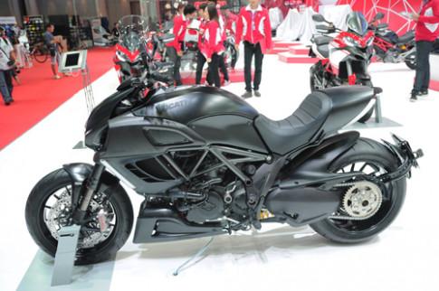 Ducati Diavel Dark - bi an bong dem