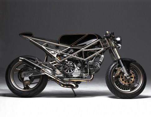 Ducati Monster M900 co dien lanh lung