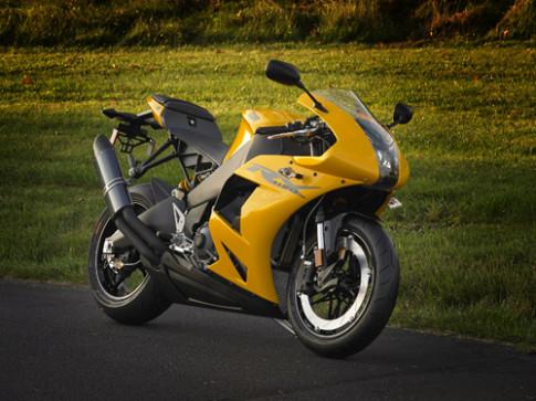 EBR 1190RX – doi thu moi lang moto