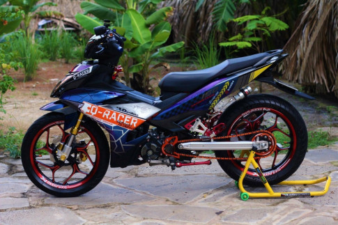 Exciter 150 trong bo canh tem dau Q-Racer day an tuong