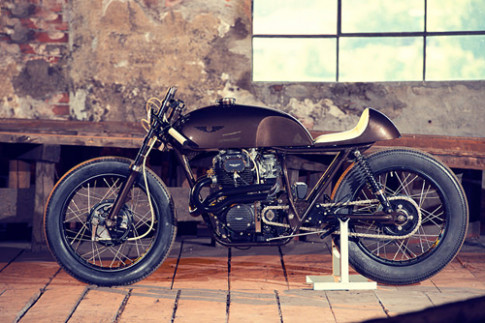 Honda CB cafe racer dam chat cafe