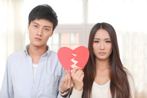 La thu gui chong phan boi: Em khong noi voi con bo bo di theo nguoi khac co o to...