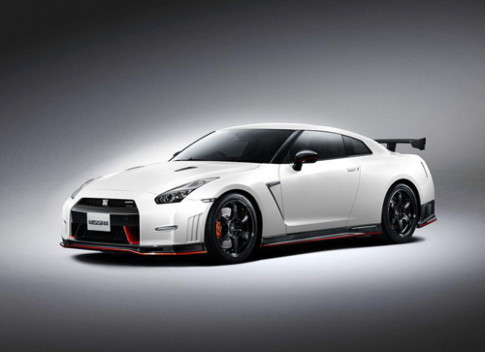 Nissan GT-R the he moi lo dien