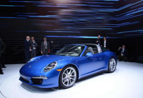 Porsche trinh lang 911 Targa moi