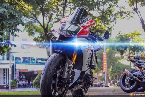 Siêu sao tốc độ Yamaha R1 đẳng cấp trong bản độ cực khủng