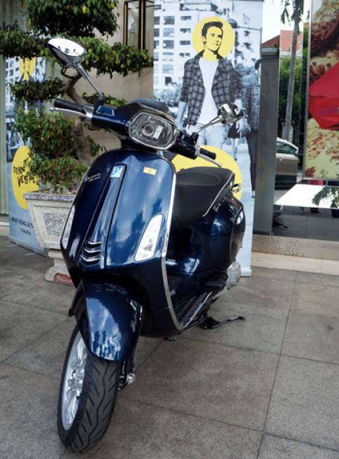 Vespa Sprint - scooter danh cho nam