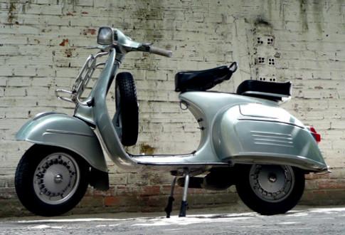 Xe co hang hiem Vespa 150 Sprint 1966 o Viet Nam