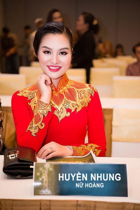 Tran Huyen Nhung cung Nguyen Vu, Phi Thanh Van duoc moi vao vi tri ghe nong