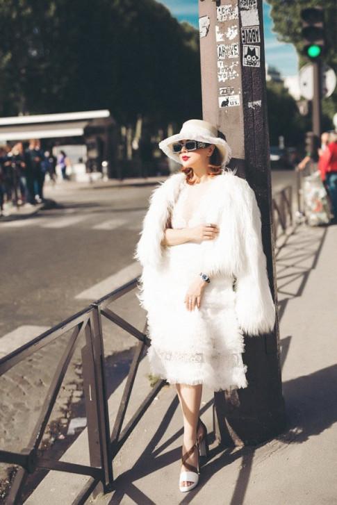 Hoa hau Ruby Anh Pham sang chanh tren duong pho Paris hoa le