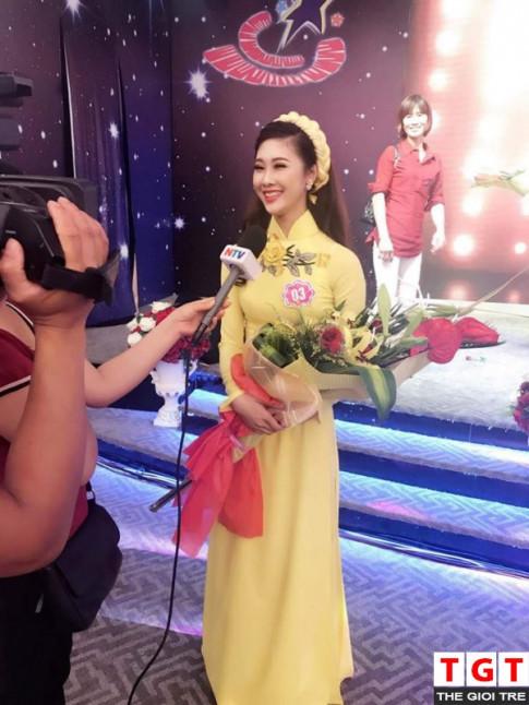 Co sinh vien khoa Thanh nhac Huyen Trang khong chi xinh dep ma con day tai nang