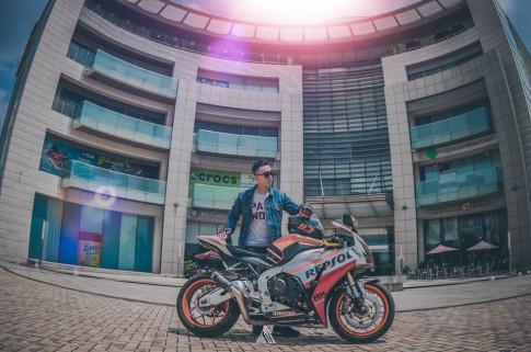 Honda CBR1000RR Repsol manh me giua long Sai Gon