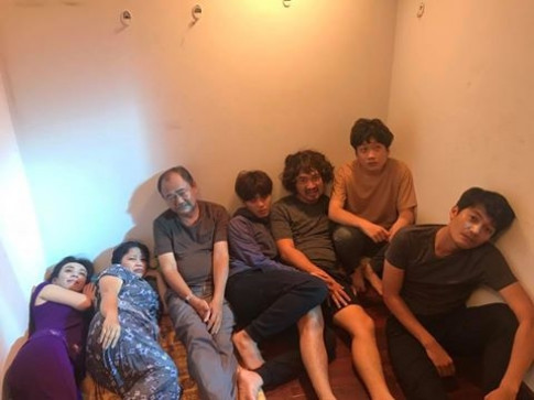 Theo chân Sao (11/8): Diễn viên 'Gia đình số 1' bị giam giữ, Kaity Nguyễn xinh đẹp khi diện Hanbok