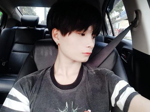"""Chang trai """"xau la"""" so huu ca tram ngan luot fan nhan duoc ca tich xanh Facebook"""