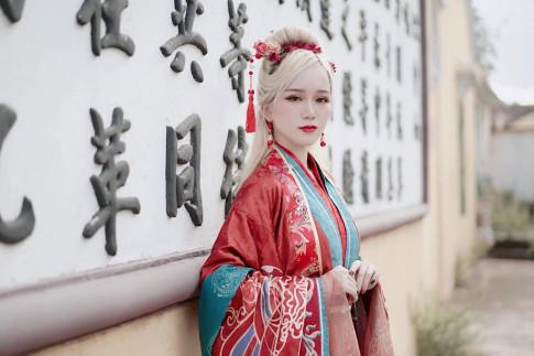 """Hot girl Da thanh hoa than my nhan Dieu Thuyen dep """"hut hon"""""""