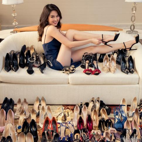 Ngọc Trinh lại khoe bộ sưu tập giầy khủng khiến các cô gái 'mệt vì ganh ty'