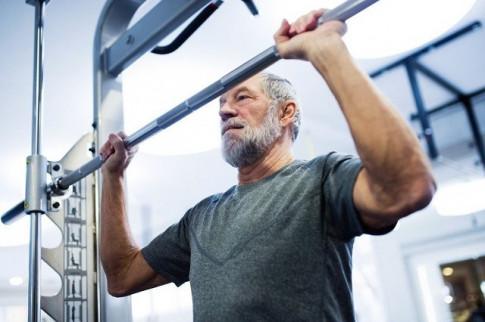 Tập luyện nhẹ nhàng giúp người cao tuổi giảm nguy cơ tử vong