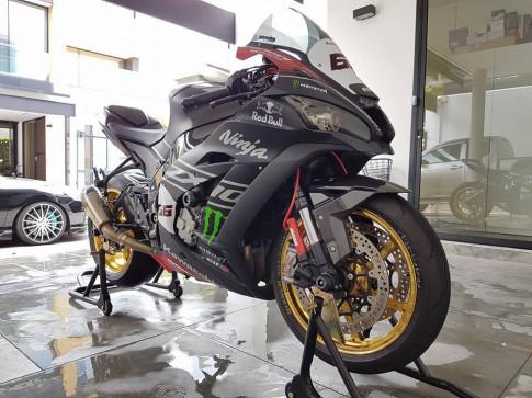 Sieu pham ZX10R chat choi voi do khung cua biker Thai