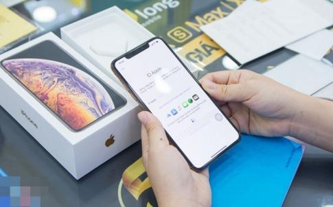 Cô gái chi 46 triệu để trở thành người đầu tiên mua được iPhone XS Max ở Việt Nam