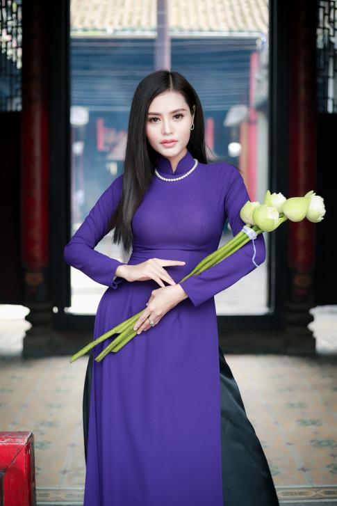 Hoa khoi thoi trang Dy Kha Han tu tin dien ao dai truoc them Ms Vietnam New World 2018