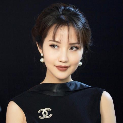Ngoai phong cach tieu thu kieu ky, ban gai Phan Thanh con la cao thu makeup dang gom!