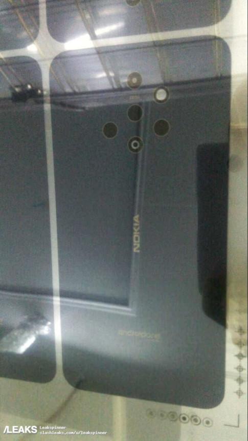 Nokia 9 se co den... 5 camera o mat sau, cong them camera kep mat truoc?