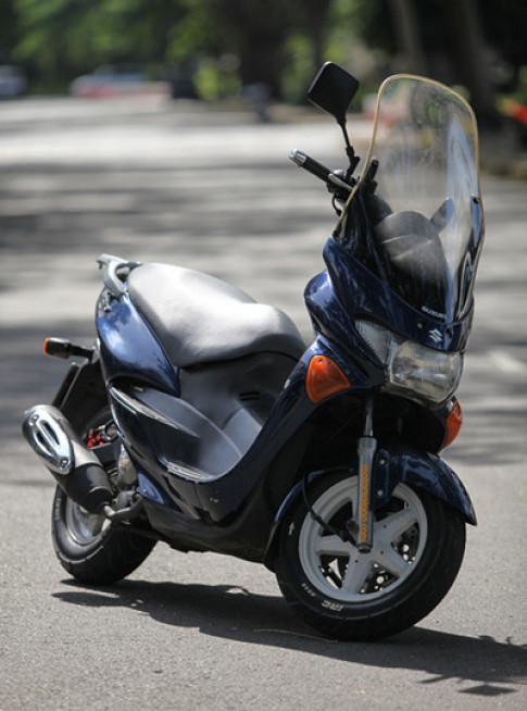 Suzuki Epicuro - scooter vang bong mot thoi tai Viet Nam