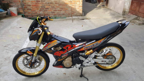 Suzuki Raider day noi bat trong version Racingboy