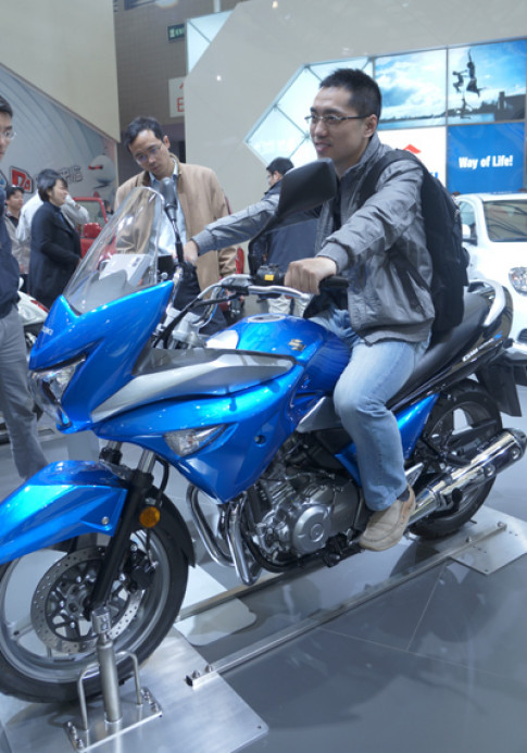 Suzuki trinh lang GW250S