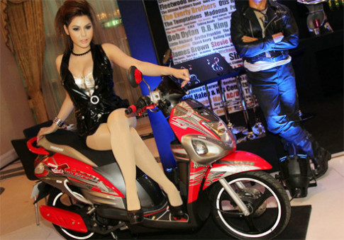 Suzuki trinh lang scooter Let's