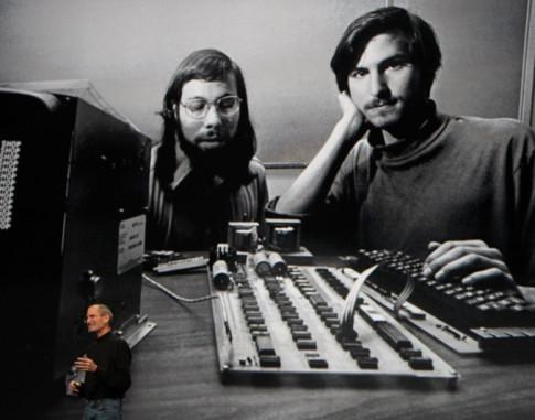 Tai sao Steve Jobs tung bi sa thai o Apple? Va bang cach nao ong da quay tro lai de cuu cong ty?