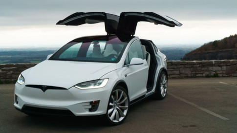 Trung Quoc hack thanh cong xe dien Model X cua Tesla