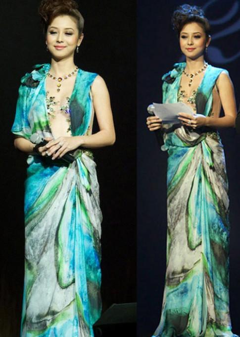 1001 pha đụng độ của Jennifer Phạm với mỹ nhân Việt