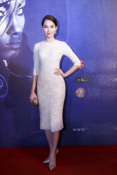 Top váy đầm đáng ngắm nhất của sao Việt tại VIFW
