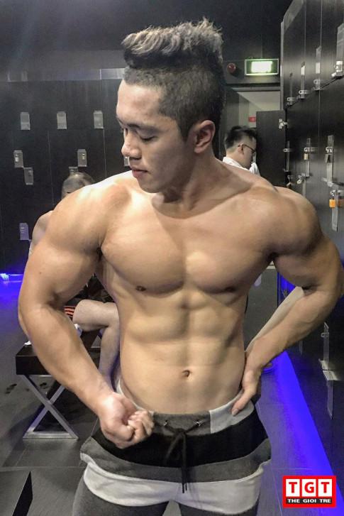 """Bong mat"" truoc body day san chac cua chang PT dien trai sinh nam 1997"