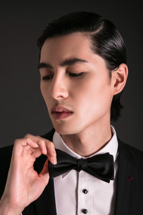 Chang model Viet kieu - Son Pham quyen ru trong BST moi cua NTK Tran Minh Dung