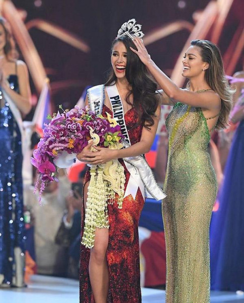 Có phải lí do giúp đại diện Philippines đăng quang HHHV thế giới 2018 chính là thứ này?