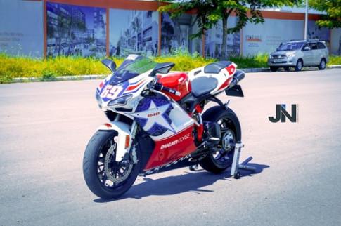 Nguoi dep va Ducati 848 hang 'doc' o Viet Nam
