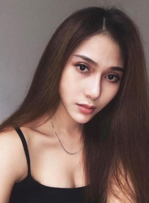 Nhin co gai nay ai cung khang dinh la hotgirl Thai