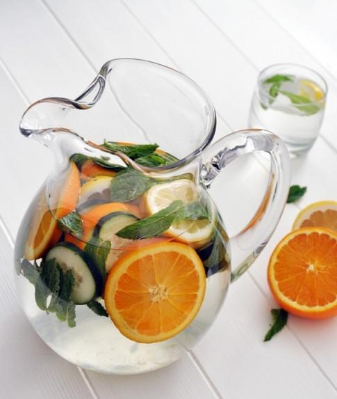 5 công thức làm nước detox giảm cân hiệu quả sau Tết