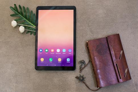 "Galaxy Tab A 10.5"": Thua kha nang giai tri dinh cao va tieu diet ""deadline"" khi can"