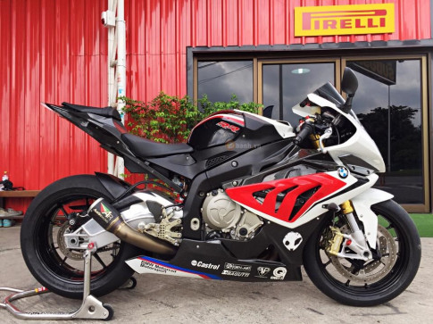BMW S1000RR 2014 do don gian nhung day uy luc
