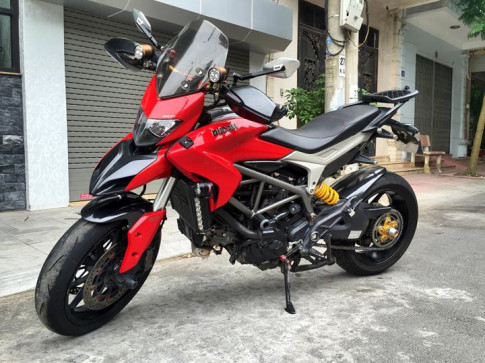 Ducati Hyperstrada 821 do dep o Vinh Bac Bo