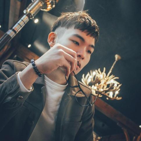 "Hotboy Thai Binh duoc menh danh la ""ban sao"" cua Tuan Hung"