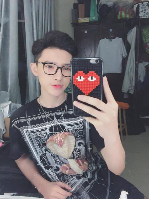 Ngo ngang voi ve dep trai lai Tay cua hot boy Sai Thanh