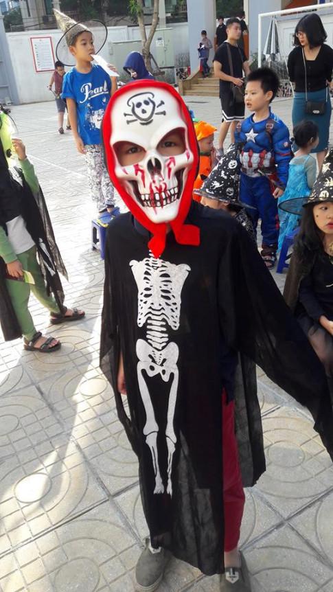 Nguoi Viet 'choi Halloween': Ma quy va thien than tran ngap khap cac con pho