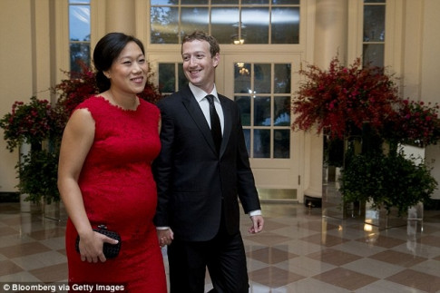 Roi nuoc mat voi nhung dong thu 'Ong trum Facebook' chao don tieu cong chua thu hai vua ha sinh