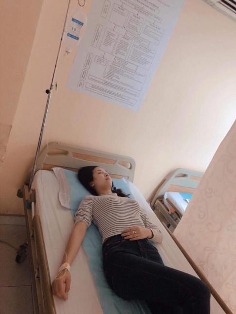 Á hậu Thúy An nhập viện sau vài ngày đăng quang - Á hậu Phương Nga phát ngôn 'gây bão'
