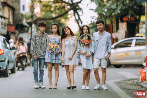 Dan hot teen Ha Thanh xinh dep ru nhau xuong pho don Trung thu